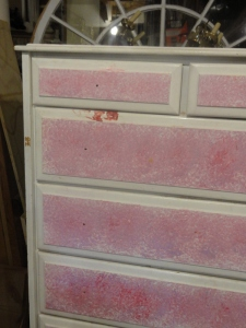 https://freddyandpetunia.wordpress.com/2010/12/10/a-new-dresser-for-payton/