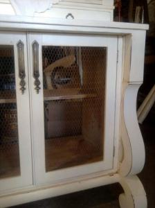 https://freddyandpetunia.wordpress.com/2011/01/07/i-had-a-dresser-but-i-needed-a-bookcase/