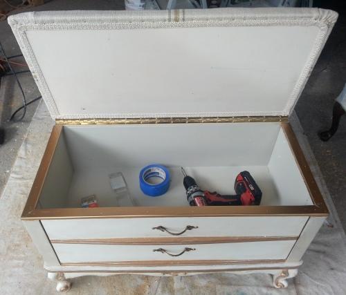 the paint scheme--