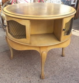 round frenchy table--