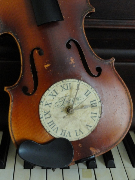 my VIOLIN CLOCK