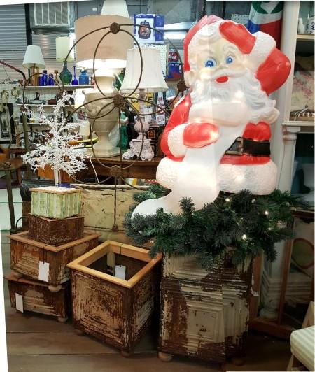 "a mini ""Christmas"" show!"