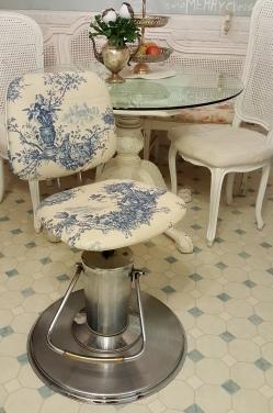 the $5 beauty salon chair!