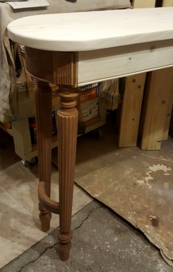 making the Loooooong table~ the routered detail