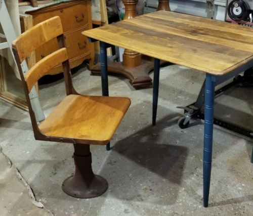 the vintage folding table & the antq school chair!