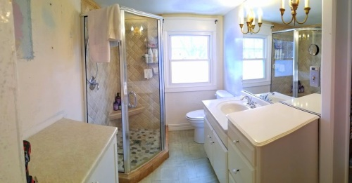 """mom's"" bathroom"