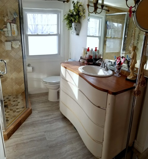 My new vanity and sink!